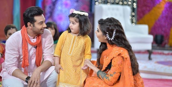 fasial-qureshi-with-her-daughter-ayat-in-a-morning-show-gmp-3-600x305